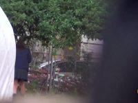 【エロ動画】 【アダルト動画】通学服学生が可愛かったので尾行していると、便所まで耐える出来なかったのか屋外で放尿開始★オシッコシーンを完全盗み見!