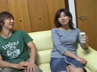【H動画】 【アダルト動画】シロウト娘がお酒の勢いを借りてハンドサービス抜き!!!