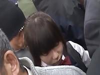 【アダルト動画】 【アダルト動画】《襲う》むりやりわいせつに初遭遇する気の弱い女子校生が列車内で沢山シオフキしちゃう