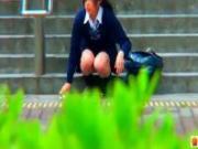 【エッチ動画】 【アダルト動画】女子高生が外でお漏らし1