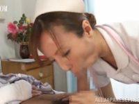 【エロ動画】 【アダルト動画】患者のチンコを手淫と口内ぶっかけぺろぺろで抜く美中年女性看護師の澤村レイコ