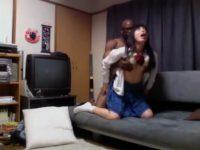 【アダルト動画】 【アダルト動画】女子高生の娘がおかしいと思い覗き見カメラを仕掛けた結果♪!まさかデカマラカラードを家に連れ込みエッチしまくりだったとは!!!