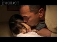 【無料エロ動画】 【アダルト動画】《フェチ》腰をエロく動かす美下半身な孫娘が祖オヤジと暗闇で身内えっち