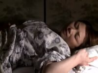 【無料エロ動画】 【アダルト動画】普段から自慰を繰り返しているBBAの既婚者、住み込みの工員を慰めるためにボディを張る