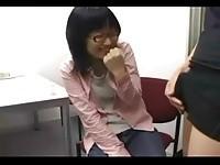 【エッチ動画】 【アダルト動画】《フェチ》地味な顔したS級素人娘に一人エッチ鑑賞させた結果