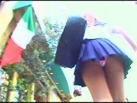【エッチ動画】 【アダルト動画】ミニスカ制服の制服今時ギャルを尾行し、逆さ撮りパンモロ覗き見★キャワワパンティと生足が素晴らしい☆
