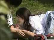 【可憐】 【アダルト動画】隠し撮り 可憐な女子高生女親友が大胆に室外で献身おしゃぶり