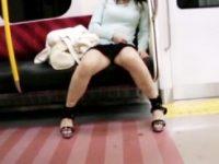【エロ動画】 【アダルト動画】【パンチラ隠撮動画】電車&#208相互フェラ;で泥酔した着衣巨乳女性正社員を対面座席で股開いた座りパンチラ隠し撮りww