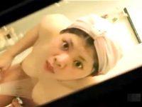 【アダルト動画】 【アダルト動画】《 爆笑注意 》覗き見がバレた瞬間!!!!!!!!!!※民家浴室覗き見