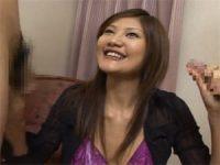 【アダルト動画】 【アダルト動画】嬉しそうにちんこを握るデカ乳今時ギャルのオーラルセックスイク2連発