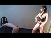 【無料エロ動画】 【アダルト動画】《サドマゾ訓育》2人のエム男を真剣のサドマゾでムチ訓育するドS女帝