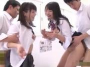 【エッチ動画】 【アダルト動画】股ゆる過ぎてチ○ポインサートされても気づかない痴女JKはこちらです!!