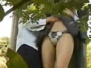 【無料エロ動画】 【アダルト動画】《青姦JK覗き見ムービー》学園サボって公園で通学服今時ギャルが青姦してるのをニートが華麗に覗き見うp。。
