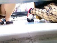 【アダルト動画】 【アダルト動画】《 覗き見ムービー 》某レンタルショップ店で棚下から覗き見はみパン覗き見した超レア映像!!!!!!!!!!