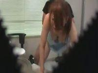 【無料エロ動画】 【アダルト動画】【病院隠撮動画】若くして歯医者で女医をする女性…押しに&#243相互オーラルセックス;く個室治療室で白衣着たまま着衣セックスww