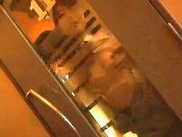 【H動画】 【アダルト動画】《 盗み見movie 》カラオケBOXでシロウトバおっぱいルの大胆SEXを廊下から盗み見したリアル映像!!!!!!!!!!!!!!!