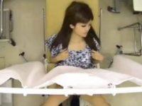 【エロ動画】 【アダルト動画】《盗み見》産婦人科へやってきたつけまつげバッチリなドしろーとぎゃるがチンコこぶちこまれる・・・