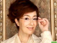【真梨邑ケイ】 【アダルト動画】現役歌手で50代年増の真梨邑ケイがねっとりぺろぺろしてSEXで合体