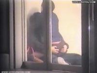 【無料エロ動画】 【アダルト動画】シロウトカップルがガラス戸の近くでエッチしちゃったせいで覗き見カメラに録画される