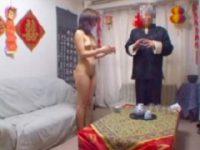 【エッチ動画】 【アダルト動画】気功ヒーリングを受けるS級素人今時ギャルが先生の言うとおり丸裸に!!!!!!!!!