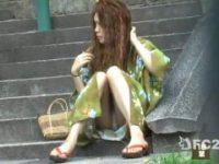 【エッチ動画】 【アダルト動画】夏祭り前の待ち合わせ中なドしろーとGALが浴衣を着衣しモロはみパン