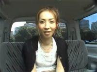 【H動画】 【アダルト動画】会話した団地に住む奥様を車内でフェラチオ抜き談判!!!