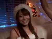 【吉沢明歩】 【アダルト動画】天使降臨★クリスマスに彼女いない男だけのパーティーにサンタコスした美女登場★吉沢明歩