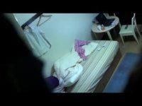 【アダルト動画】 【アダルト動画】激カワすぎるきれいな脚美ロリの性具G行為を盗み見に成功!!M字開脚したまんこに性具を押し当て顔を歪める!!!