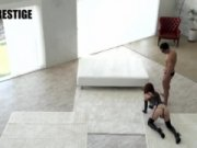 【無料エロ動画】 【アダルト動画】3人の雌奴隷たちがHな拘束具コスでぺろぺろチオ奉仕♪