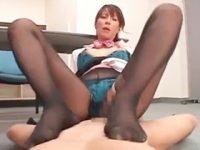 【エロ動画】 【アダルト動画】美中年女性の澤村レイコが下着ストッキング着衣の淫らなSEXをする