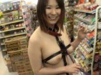 【H動画】 【アダルト動画】《露出》乳性感帯もマン毛も丸見えな過激コスチュームで商店街を歩かされる白ぎゃる