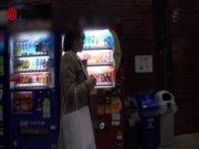 【無料エロ動画】 【アダルト動画】クリーニング店の店長とカウンターの中でHしちゃいます♪