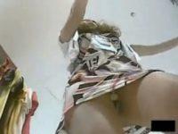 【アダルト動画】 【アダルト動画】ドむっつりスケベ女そうなGALSHOP店員を逆さ撮りしたら想像どおりのパンティ履いてた