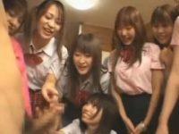 【アダルト動画】 【アダルト動画】女子高生コスしたケダモノ な女今時ギャル軍団がチンチンに群がり手コキにオーラルセックスにやりたい放題♪♪♪