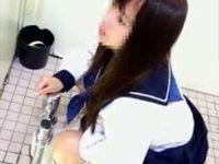 【エロ動画】 【アダルト動画】【おしっこ隠撮動画】和式トイレでマンコ接写ww乃木坂に居そうなアイドル級の女子校生を隠しカメラ撮りww
