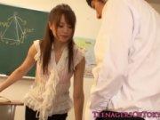 【エッチ動画】 【アダルト動画】官能的過ぎる美オンナ先生が放課後の教室で生徒とえろいことしちゃいます!!