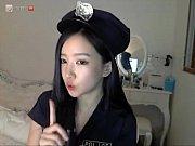 【無料エロ動画】 【アダルト動画】ツイキャスで韓国人の姉さんがコスチュームプレイから下着姿の官能的ダンシンっ★