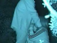【アダルト動画】 【アダルト動画】暗闇で絡み合うドしろーとカップルの露天青姦えっち隠し撮り★手淫やフェラチオで奉仕したチンポこを後背位でインサート★