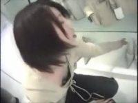 【H動画】 【アダルト動画】一生懸命接客してくれる神カワSHOP店員を狙い胸チラ覗き見しまくり!!谷間、ブラチラを満喫しちゃってください!!