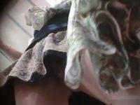 【エッチ動画】 【アダルト動画】《 隠撮movie 》アパレル系のぎゃるSHOP店員の下着逆さ撮り★おま●この割れ目クッキリがエロ過ぎる★★★