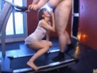 【エロ動画】 【アダルト動画】くっそむっちむちな男がランニングマシンでダイエット中にぺろぺろする白ぎゃる☆☆☆