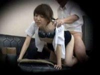 【エロ動画】 【アダルト動画】《盗み見》仕事サボってこっそりえっちしてる社長と被虐セックス欲なひんぬーGAL女子スタッフのmovieが流出!!