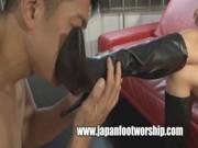 【H動画】 【アダルト動画】艶っぽいな下半身軽女がブーツをドエム男にprprさせる★