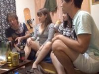 【アダルト動画】 【アダルト動画】宅飲みでヤリマンな今時ギャル二人組を酔わせたらあっさりSEXパーティSEXが実現♪