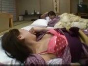 【H動画】 【アダルト動画】宿舎に若奥様二人と一緒に泊まったら当然3Pでしょ!