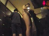 【H動画】 【アダルト動画】《 盗み見ムービー 》女湯の脱衣所に小型カメラを仕掛けBUSルーム上がりのスッピン御姉さんやおばさんの着替えを隠し撮り★★★