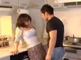 【牧原れい子】 【アダルト動画】牧原れい子 義弟さんにキッチンで犯され中だしされてしまう義姉