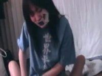 【エッチ動画】 【アダルト動画】【JCエロ動画】ロリ&#235相互オーラルセックス;女が家に侵入した男に口と手を塞がれ身動き取れない状態で犯されザーメンぶっか&#123相互オーラルセックス;られる