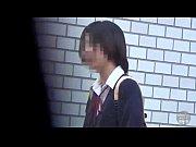 【H動画】 【アダルト動画】街中で野ションしまくりなユニフォームぎゃるをばっちり取材!!!