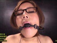 【詩織】 【アダルト動画】《塚田詩織》オモチャ責めで口枷から涎を垂れ流すスイカップメガネ娘女子